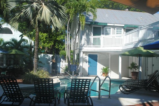 Lighthouse Court Hotel in Key West : Colazione in piscina