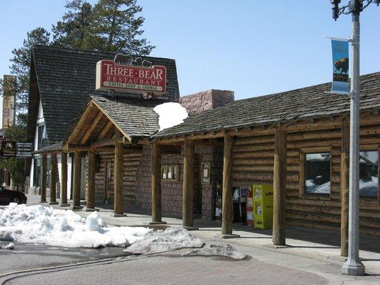 Three Bear Lodge: отель