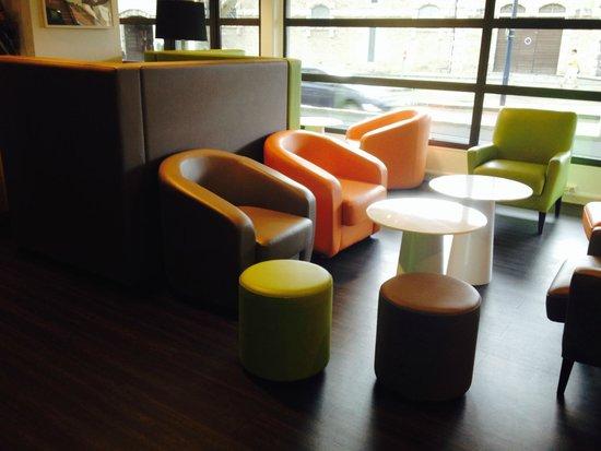 Ibis Styles Beaune Centre : salle à manger