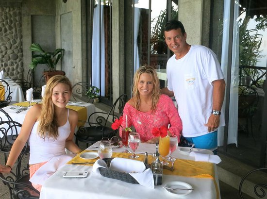 Hotel Villa Caletas: Dining is great. Great food with a breathtaking view!