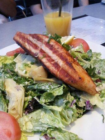 Firegrill Restaurant & Bar: Salmon caesar salad