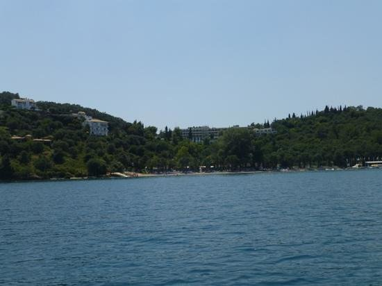 Daphnila Bay Thalasso: вид на отель (с моря)