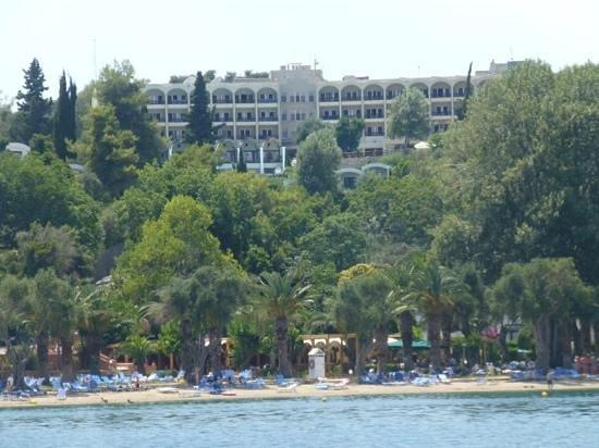 Grecotel Daphnila Bay Dassia: вид на отель