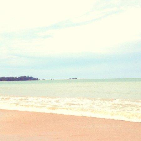 White sand beach avec vue sur coconut beach
