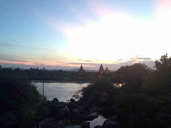 Aureum Palace Hotel & Resort Bagan: Pool views