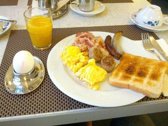 Sonata Hotel: Breakfast :-)