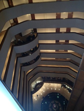 Aryaduta Bandung: Room floor down the central atrium