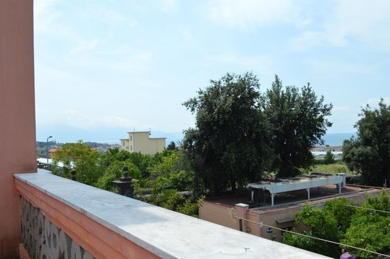 Villa Signorini Events & Hotel : View from the roof terrace accross the Bay of Naples