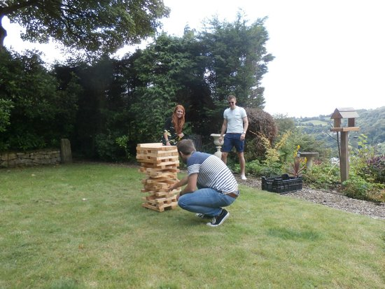 The Gables Bed & Breakfast: Sue and John got out the garden Jenga for us- a great hit!