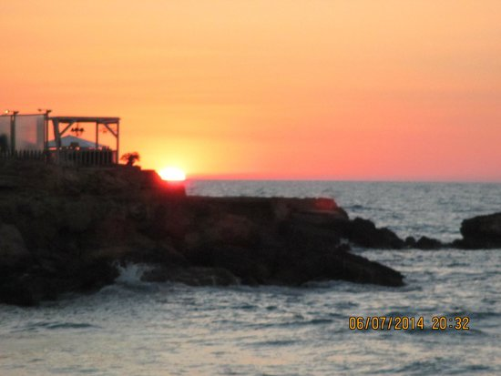 The Island Hotel: Beautiful sunset in Gouves