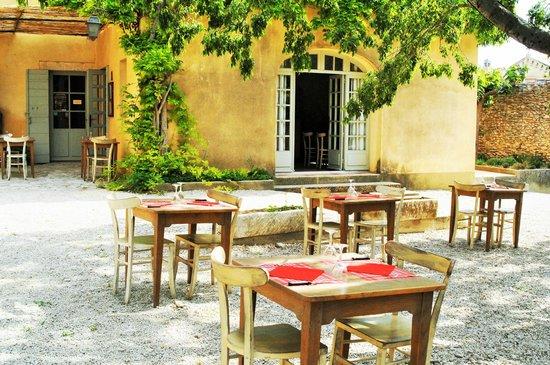 Tarascon, France: restaurant La Treille
