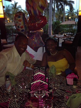 Villa del Palmar Cancun Beach Resort & Spa: At the Suprise Birthday Dinner