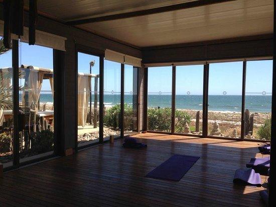 Paradis Plage Surf Yoga & Spa Resort : View from inside yoga shall