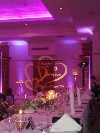 Knightsbrook Hotel & Golf Resort : reception room lighting