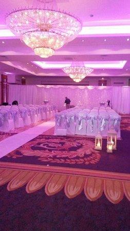 Knightsbrook Hotel & Golf Resort: ceremony room