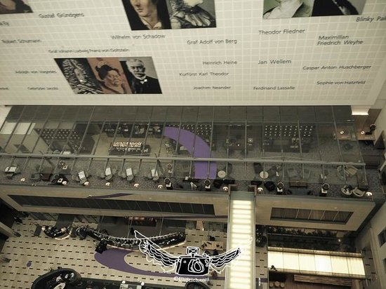 InterContinental Dusseldorf : concierge lounge