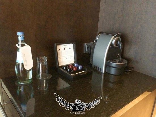 InterContinental Dusseldorf : Nespresso Machine in the room