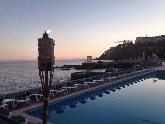 Quinta Da Penha De Franca: Pool by the ocean