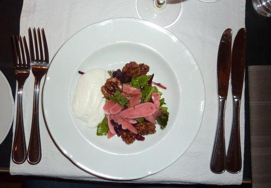 Restaurant Krebsegaarden : Pickled radish with goats cheese cream