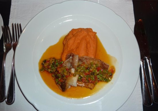 Restaurant Krebsegaarden : Red fish with sweet potato