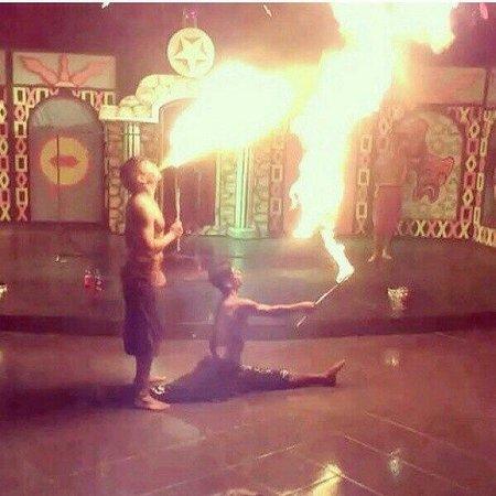 Lykia Botanika Beach & Fun Club: Fire show������