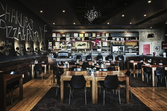 Charlies Pizza & Pasta Summerstrand: Welcome home to Charlies