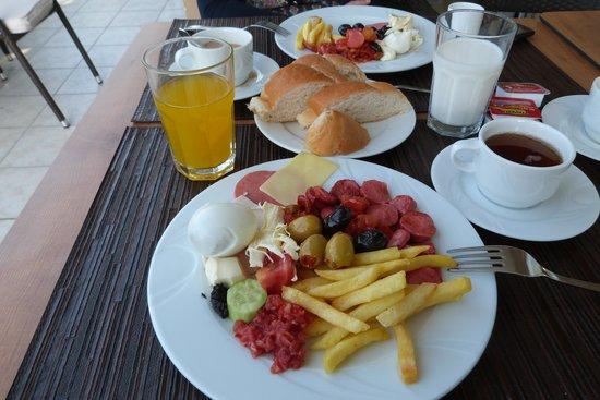 Sude Konak Hotel: breakfast
