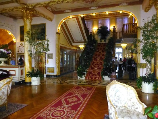 Regina Palace: Staircase in the Lobby