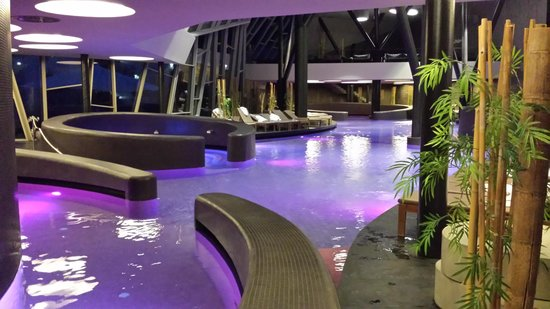 Hotel Sotelia: orhidelia oasi piscine