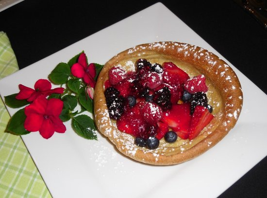 The Guest House Bed & Breakfast : Dutch Baby