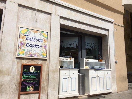L 39 esterno del ristorante bild von trattoria caprese for L esterno del ristorante sinonimo