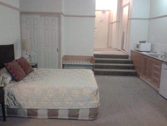 Royal Albert Hotel: Sleeping area