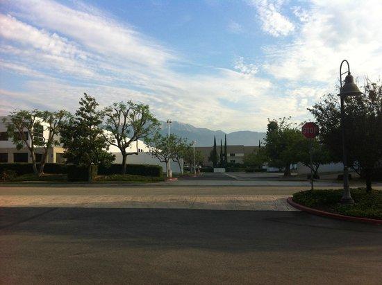 Courtyard Ontario Rancho Cucamonga: View of Mountains
