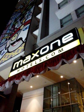 MaxOneHotels at Sabang : main gate
