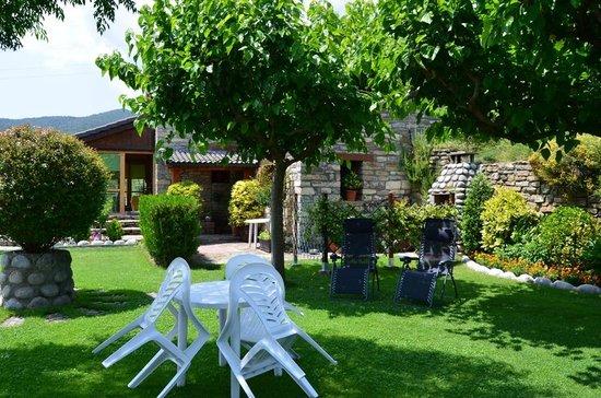 Entrada jard n picture of casa rural la era sieste for Casa rural jardin del desierto