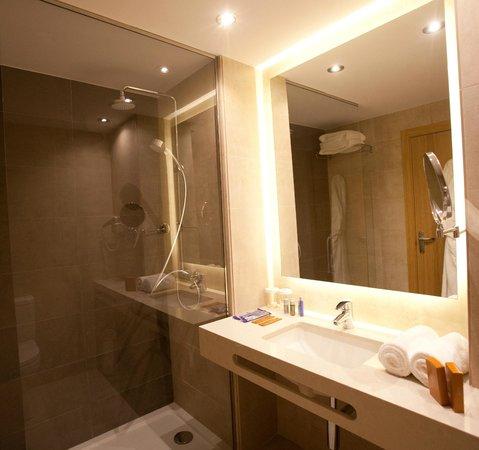 Hotel M.A. Sevilla Congresos: Baño