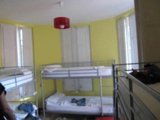 Garden House Hostel Barcelona : Habitación