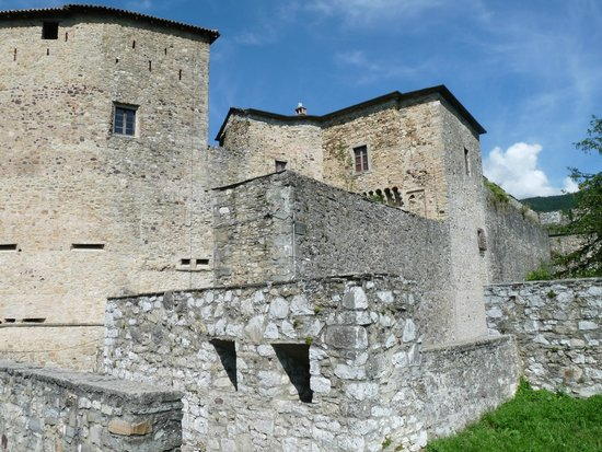 Bardi, Italy: Aanzicht van het kasteel
