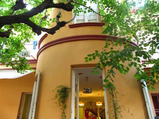 Garden House Hostel Barcelona : Fachada