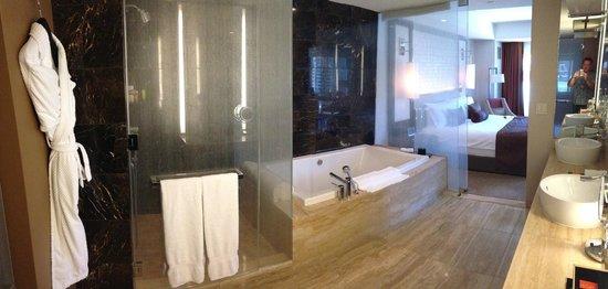 Mandarin Oriental, Las Vegas: Mandaring Oriental Suite Bathroom