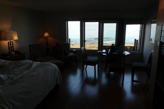Little Sur Inn : The room and ocean view