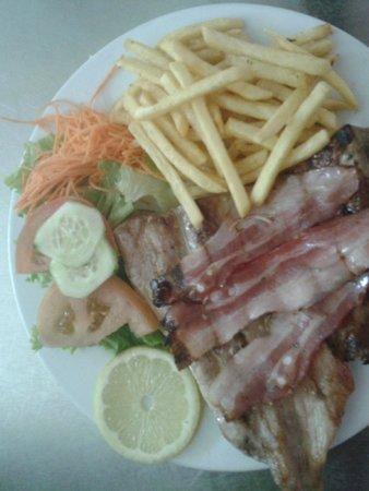 Restaurante A Muralha : lombinhos de porco á muralha