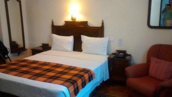 Pao de Acucar Hotel: Quarto amplo e limpo
