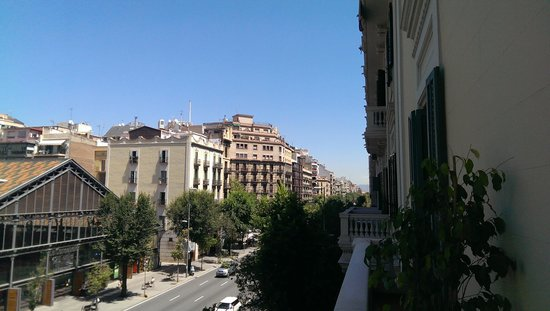 BacHome Barcelona B&B: View from balcony