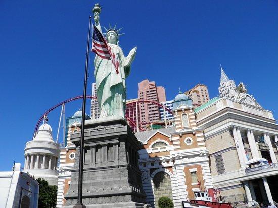 New York - New York Hotel and Casino: esterno hotel