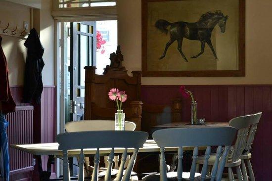 Eglwysbach, UK: Tables