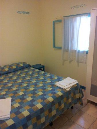 Villaggio Resort Nettuno : la camera matrimoniale