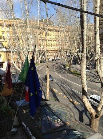 Hotel Alexandra : view from our room - via veneto