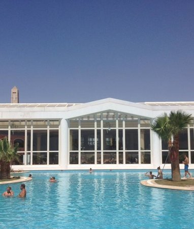 Hilton Sharm Waterfalls Resort: Piscine (près du lobby)