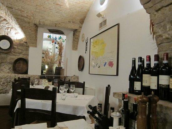 Restaurant Medioevo: inside the restaurant